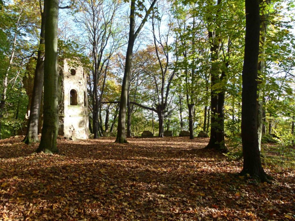Die Blechburg im Herbst