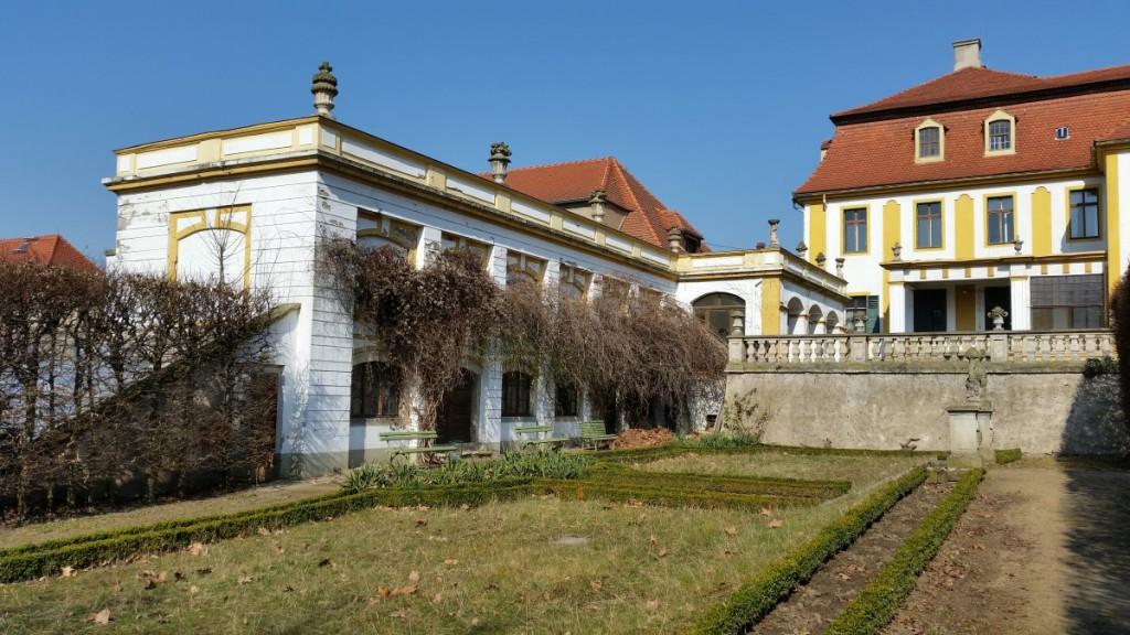 Am Schloss Seusslitz