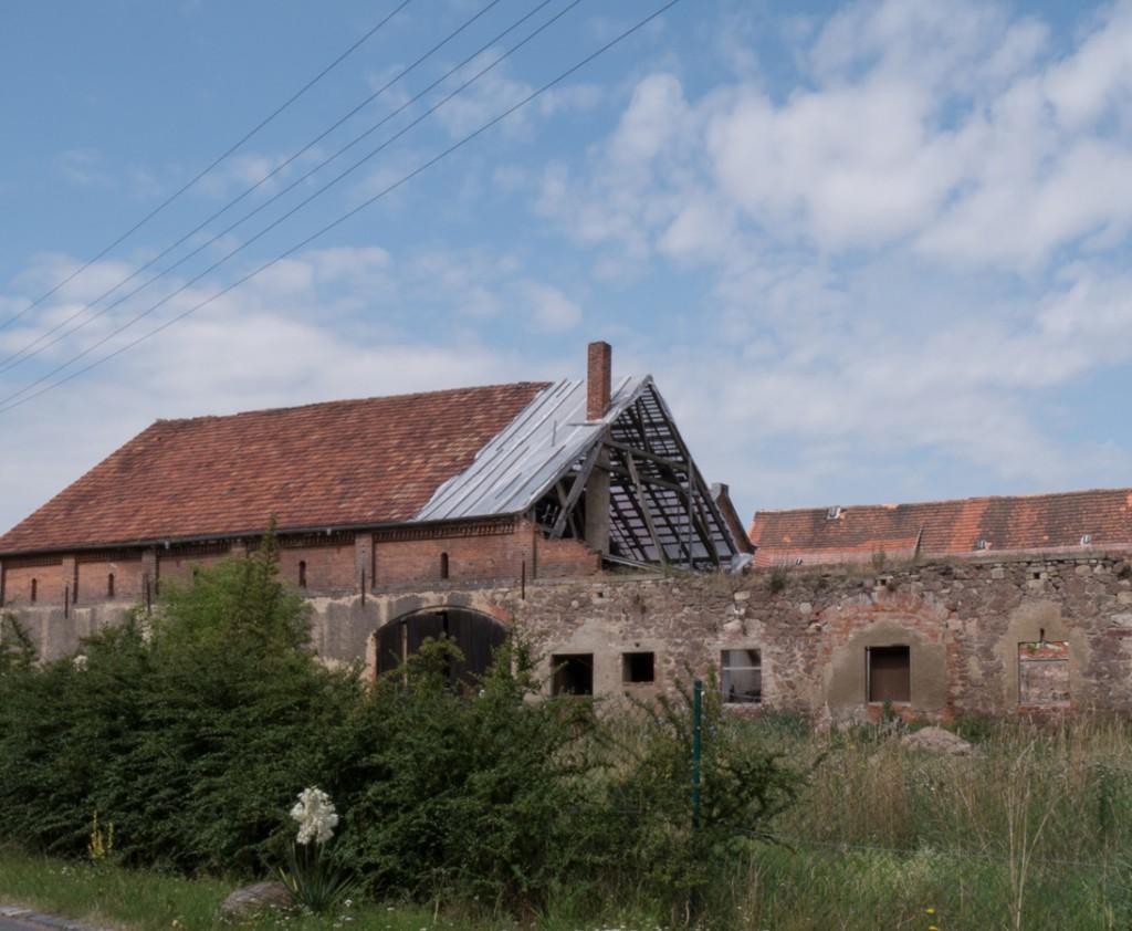 Das alte Rittergut wird passiert.
