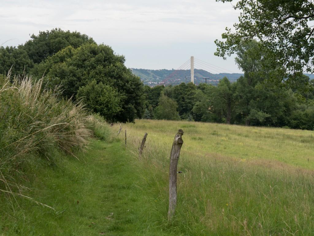 Blick zurück zur Niederwarthaer Brücke