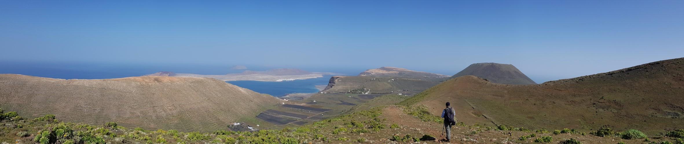 Panoramaansicht am Fuß zum Aufstieg zum Krater Los Helechos