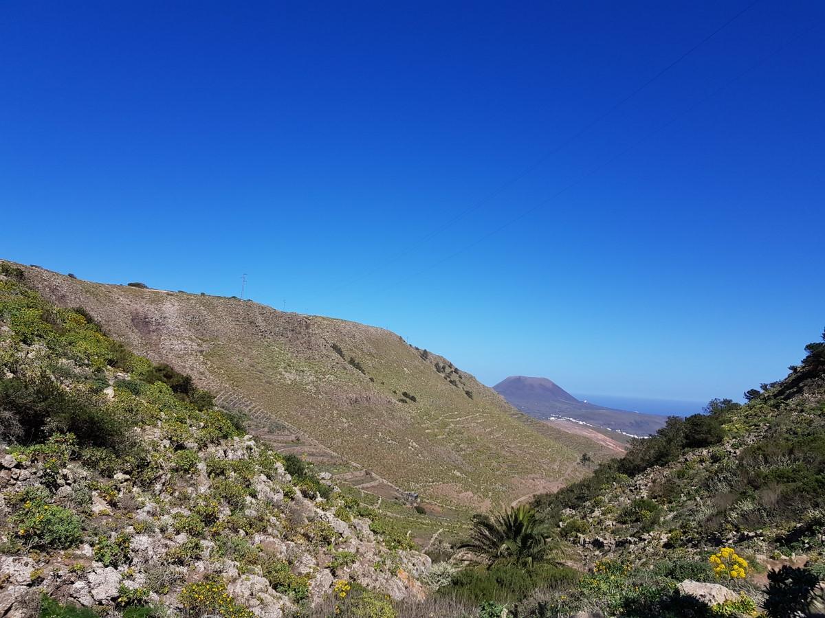 Am Ende des Barranco de Elvira Sánchez Blick zurück zur Monte Corona