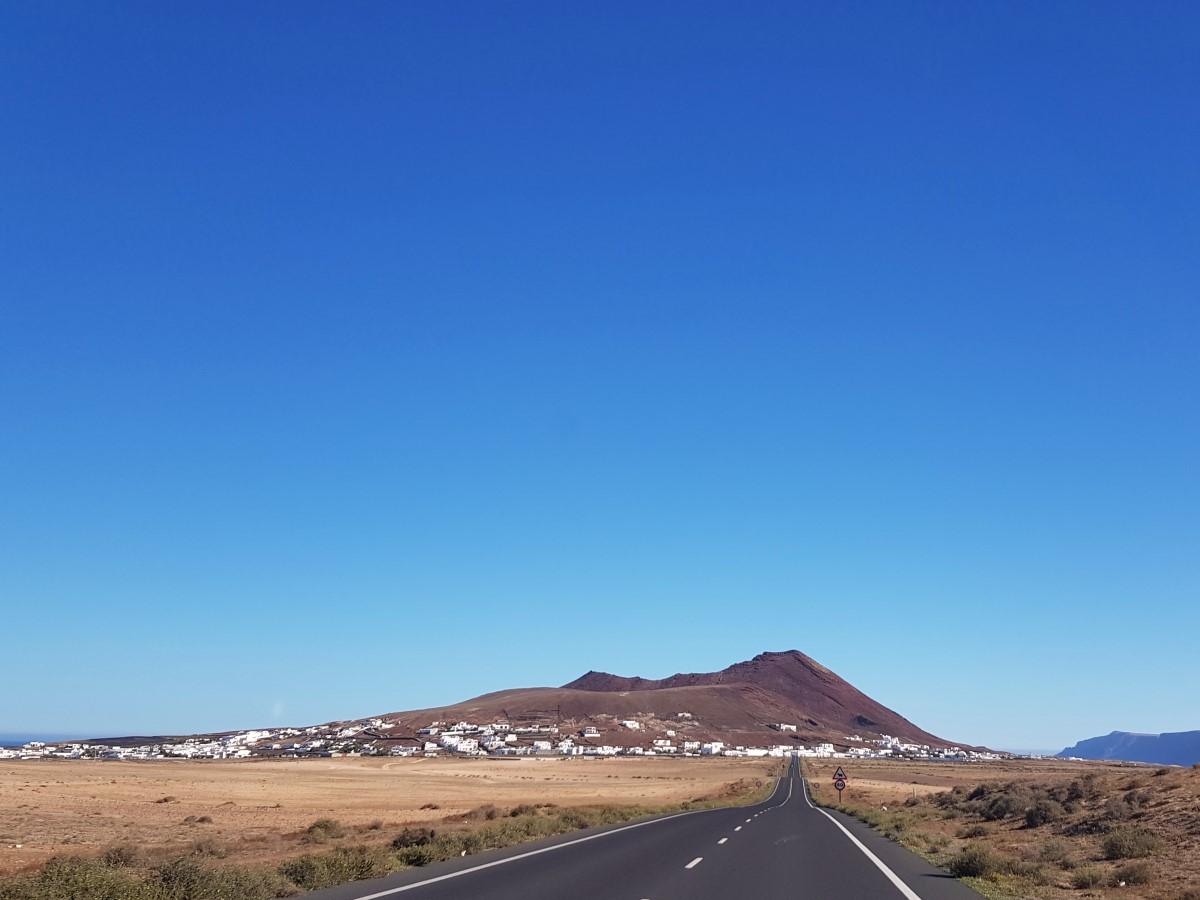 Blick auf Sóo vor der Caldera Trasera mit dem Pico Colorado
