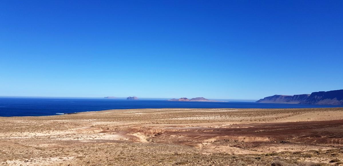 Nun ist der gesamte Küstenverlauf mit dem Famara-Kliff einzusehen.