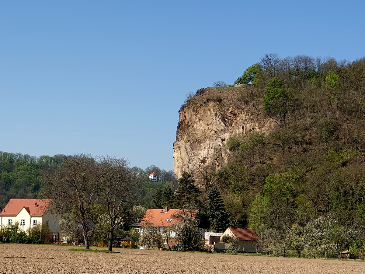 Boselspitze mit Durchblick zum Totenhäuschen auf der linkselbischen Seite