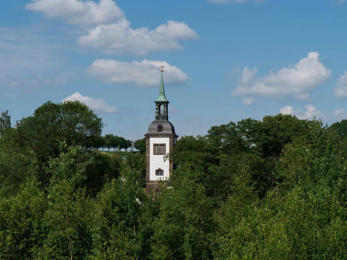 Blick zur Kirche in Dittersbach von der Elbertsdorfer Straße