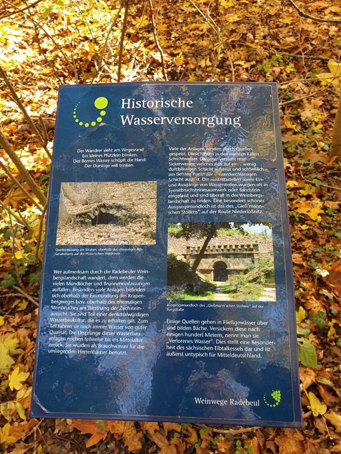 Auf der Wanderrunde findet man an verschiedenen Punkten Informationen über die Historische Wasserbaukultur.