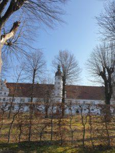 Durchblick zum Alten Schloss
