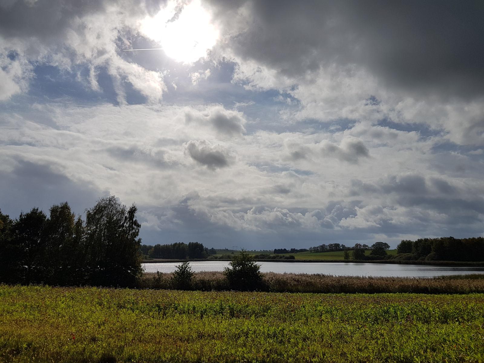Regenwolken über dem Dippelsdorfer Teich