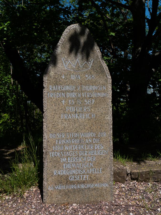 Frieden durch Versöhnung... - Gedenkstein an der ehemaligen Radegundis-Kapelle