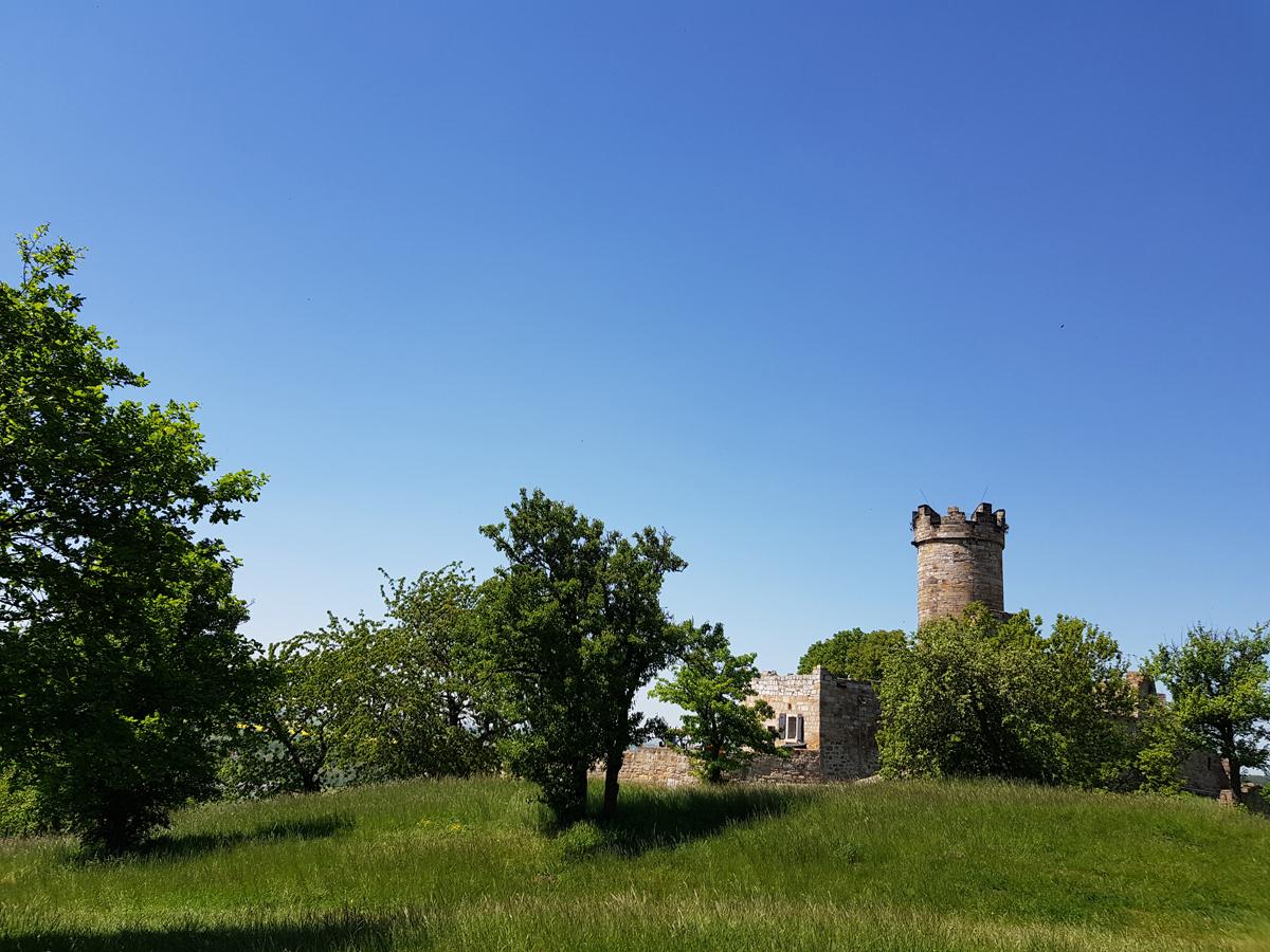 Blick von der Radegundis-Kapelle zur Mühlburg