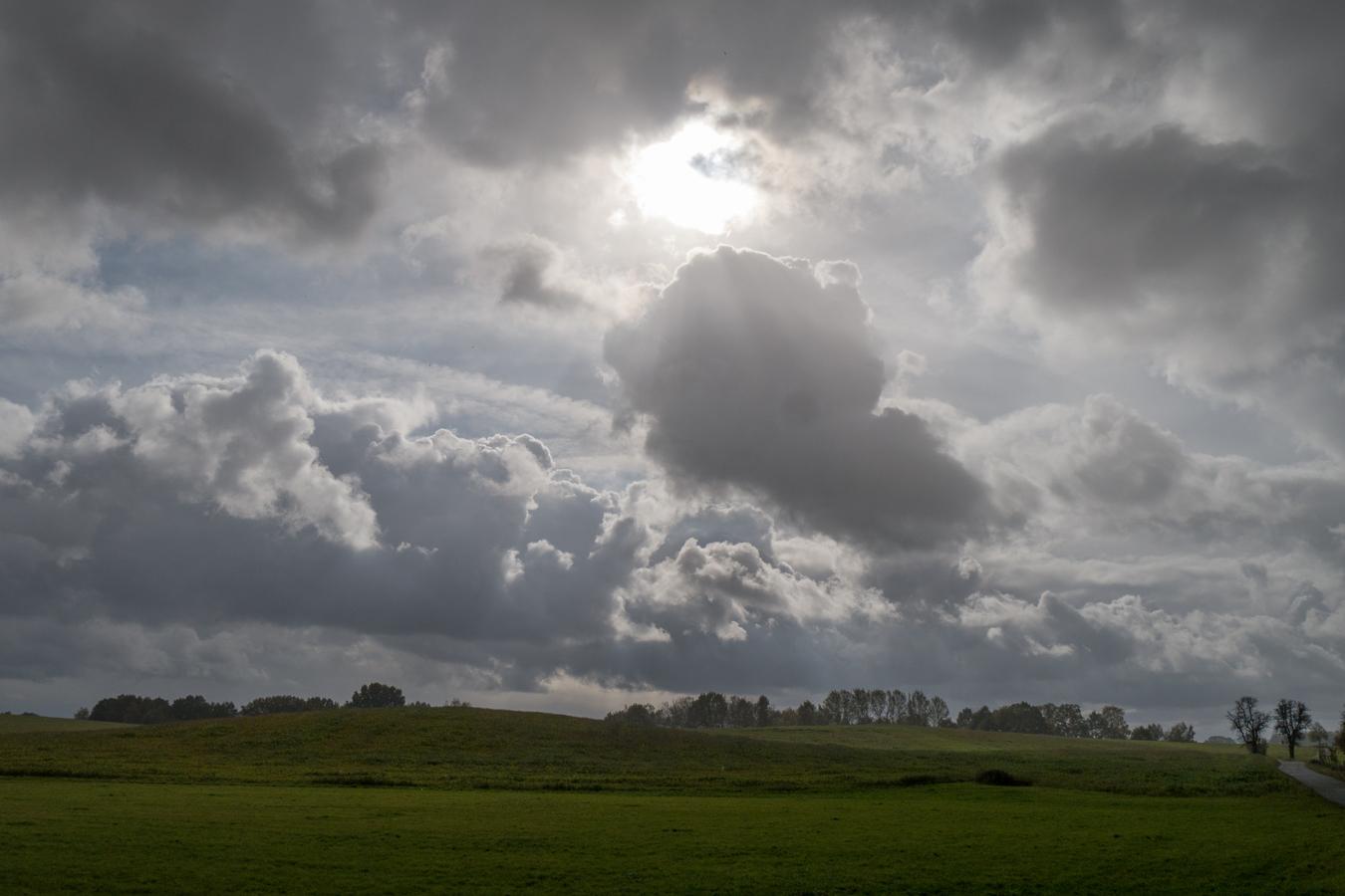 Regen über dem Moritzburger Hügelland