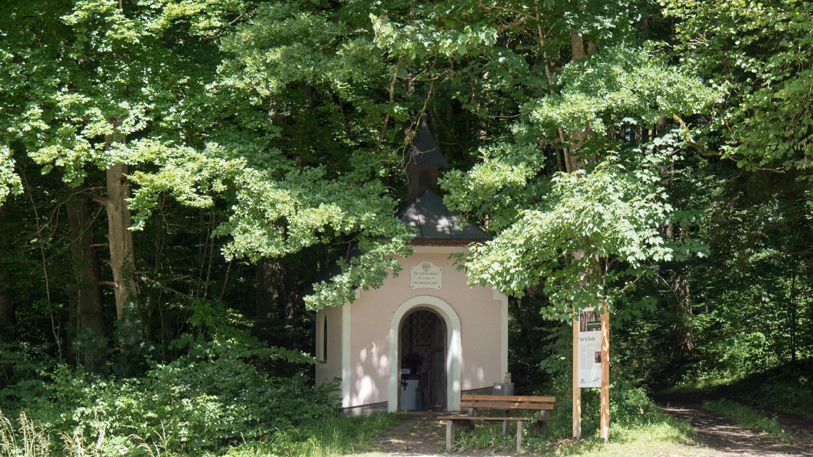 """An der Station """"Bier & Glaube"""""""