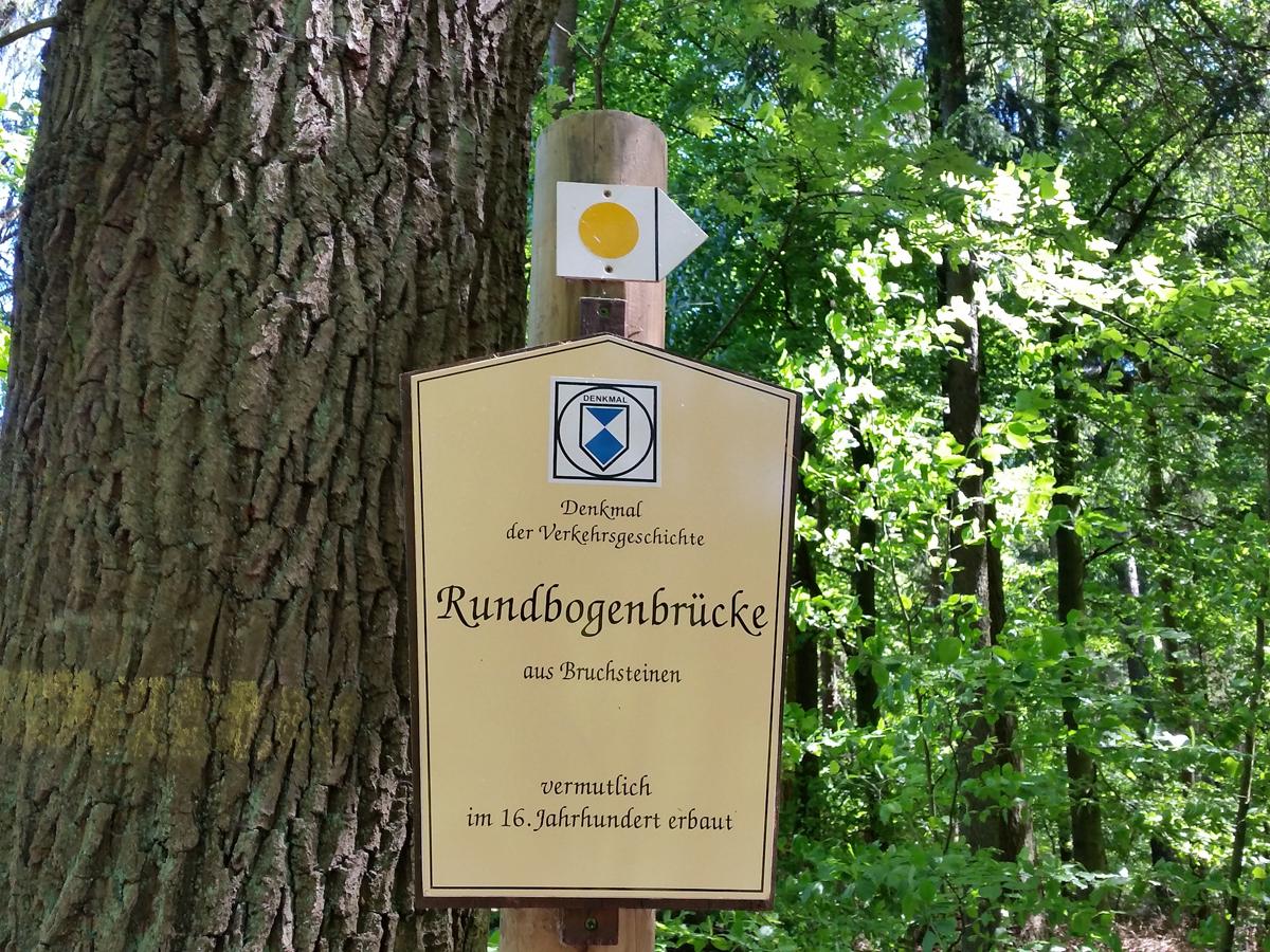 Info zur Rundbogenbrücke