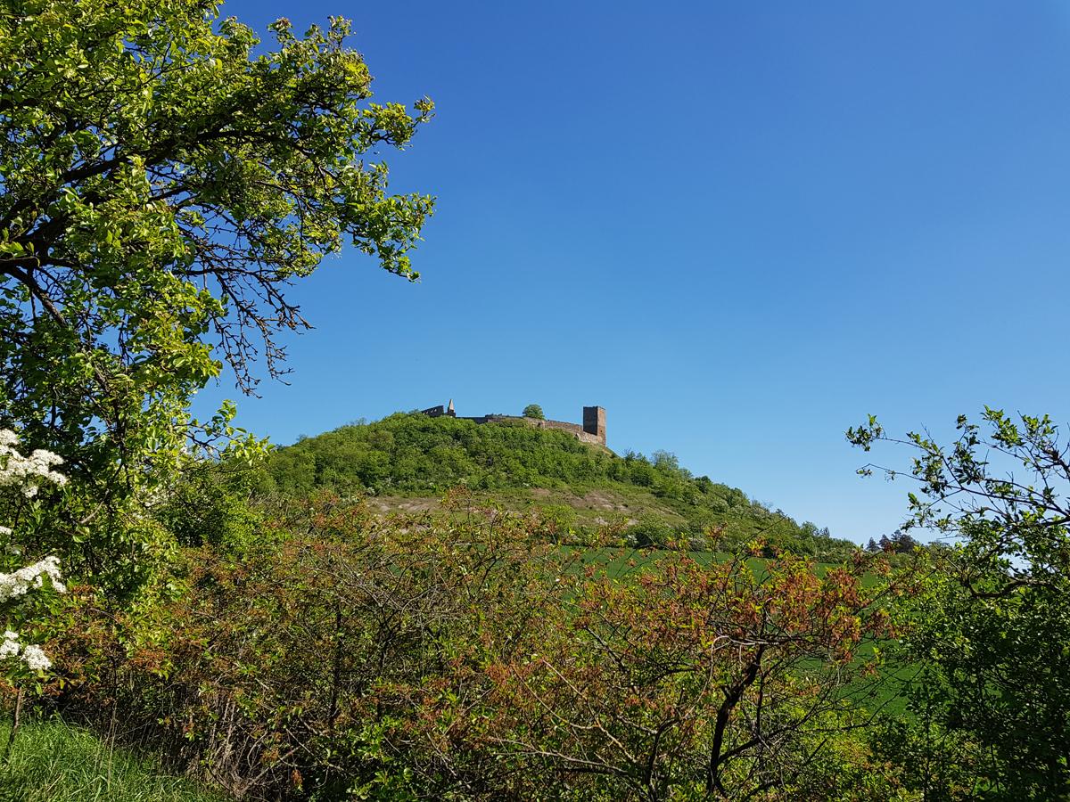 Ein Blick zurück zur Burg Gleichen mit den Badlands