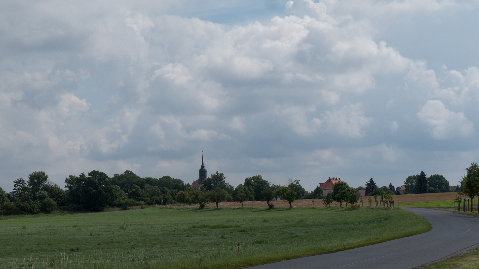 Blick zurück zur Kirche in Reichenberg