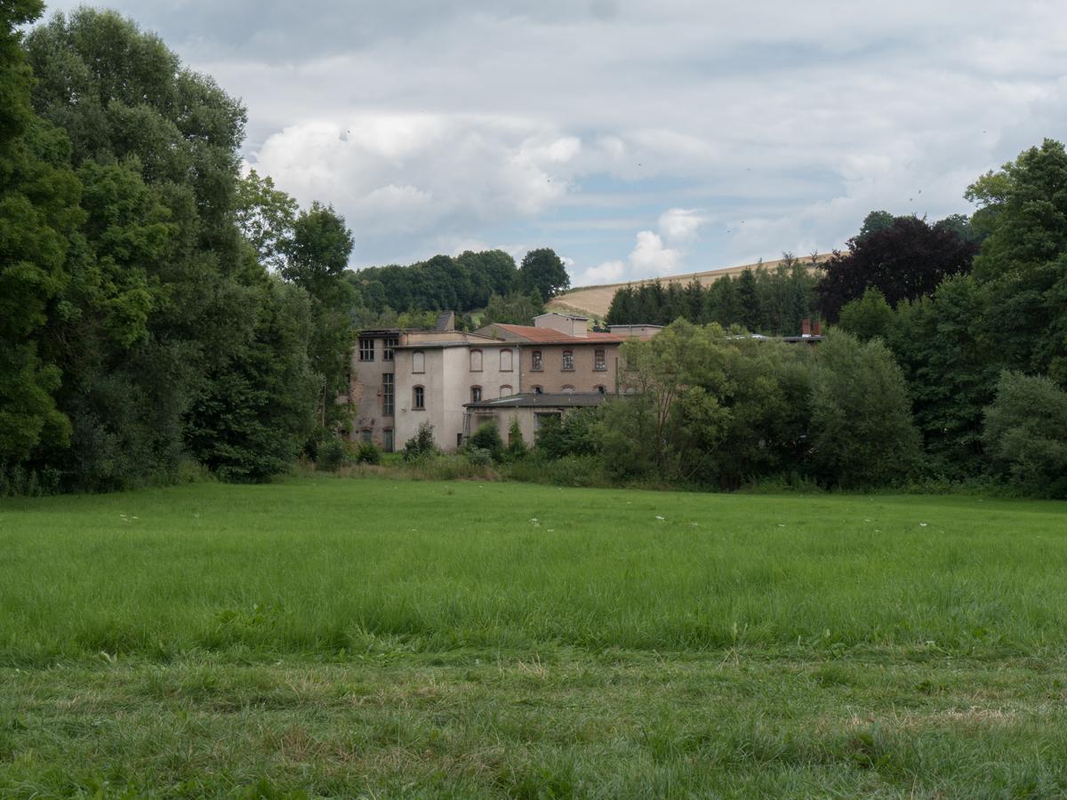 Altes Fabrikgebäude in Niedermunzig