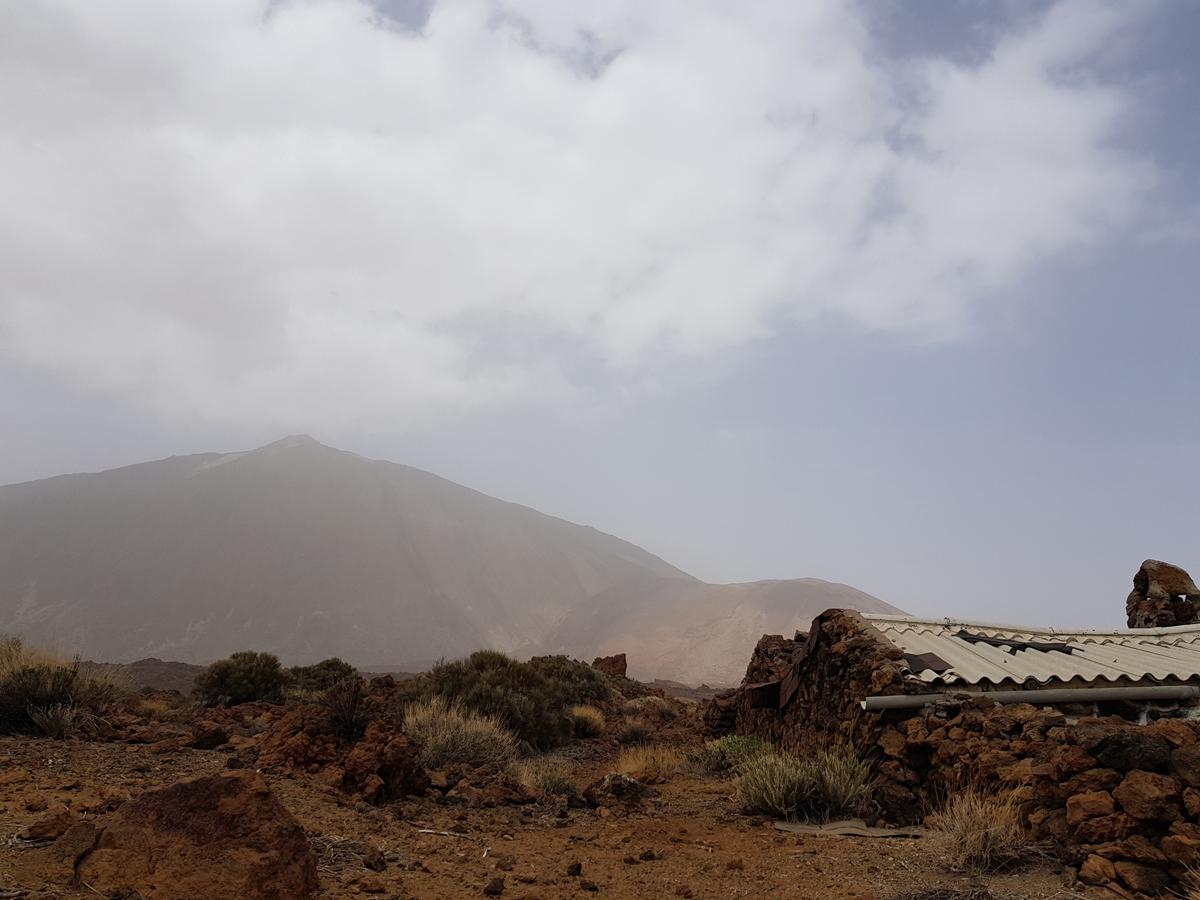 Der Teide im leichten Nebel - Einfluss des Calima