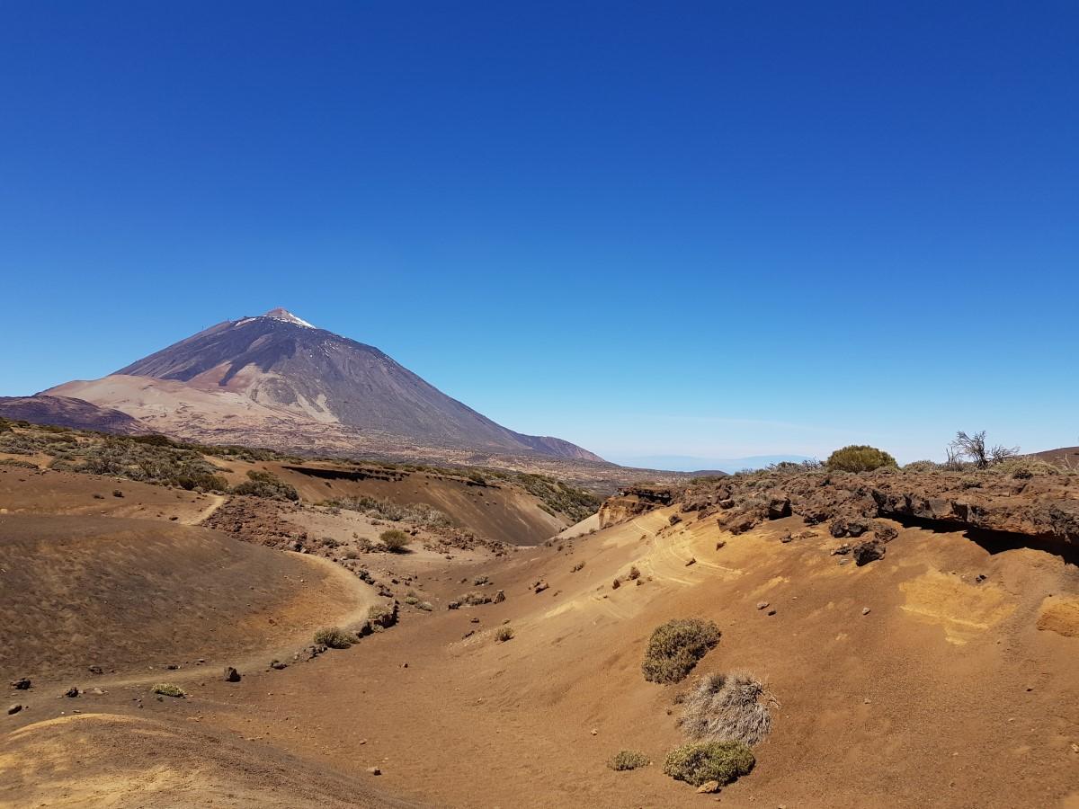 Wanderung um die Arenas Negras im Teide-Nationalpark